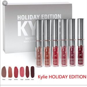 NWOB Kylie Jenner Holiday Mini Matte Lipsticks 5PC